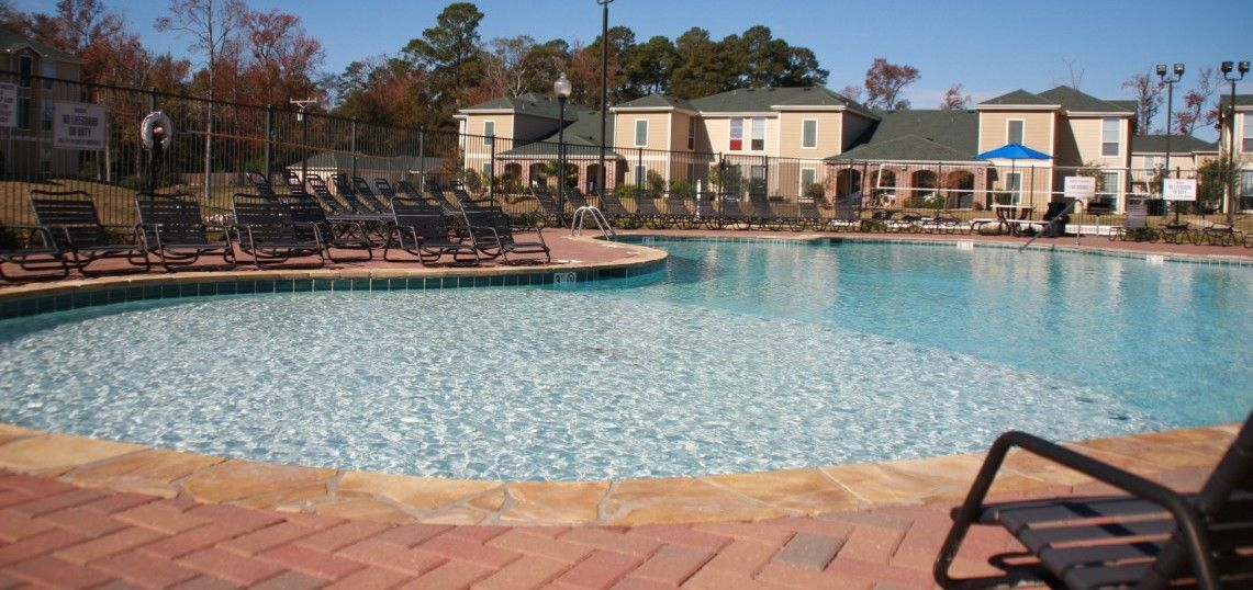 Can You Get An Apartment At 18 In Texas Shsu Student Apartments In Huntsville Tx Brook Place Student Apartment Apartment Places