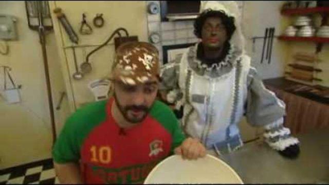 Taaitaai maken met de kids? Ook Piet helpt graag een handje mee! #Sinterklaas #recept