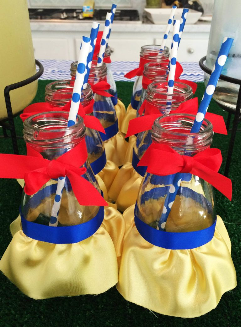 Samantha\'s Snow White Birthday