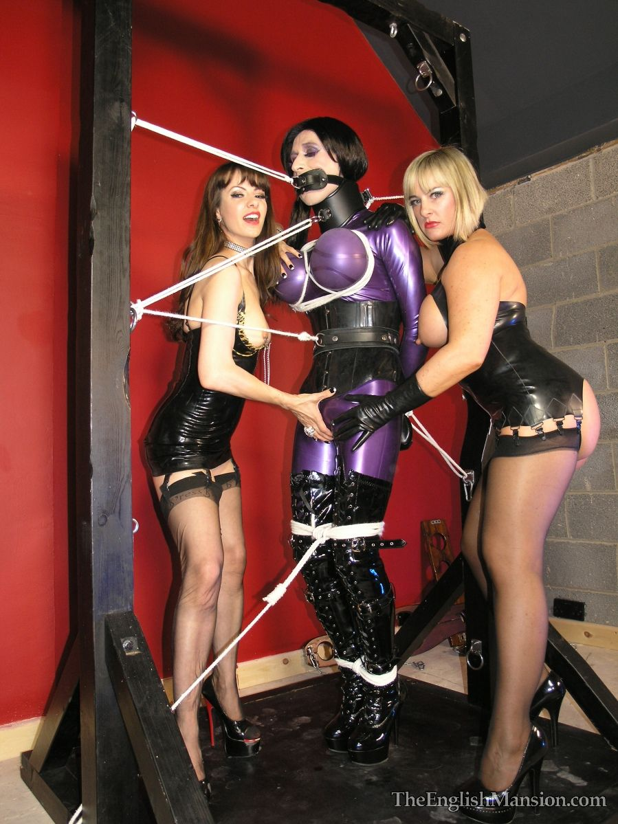 Erotic night from slave