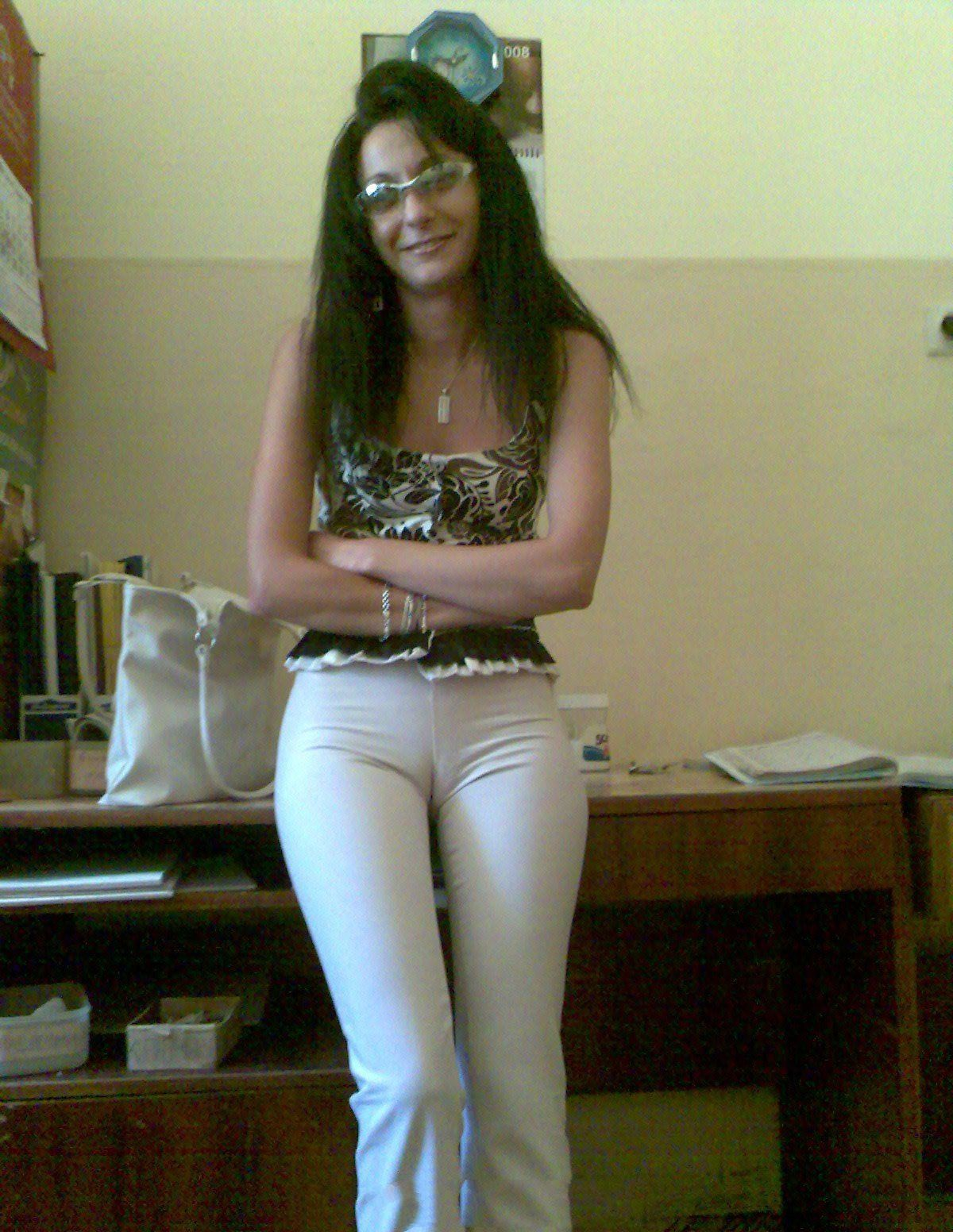 Images of Girl With Huge Camel Toe - Amateur Adult Gallery