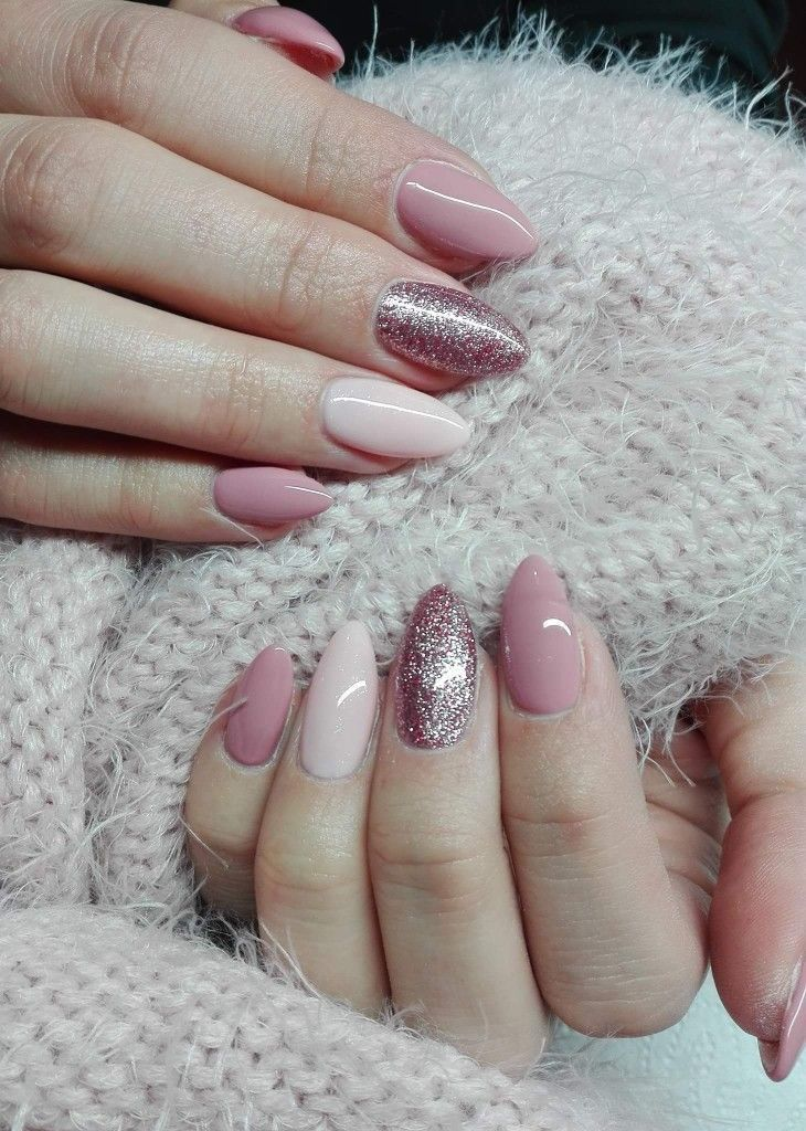 Simple And Pretty Nail Art With Pinky Color Nails Pinterest