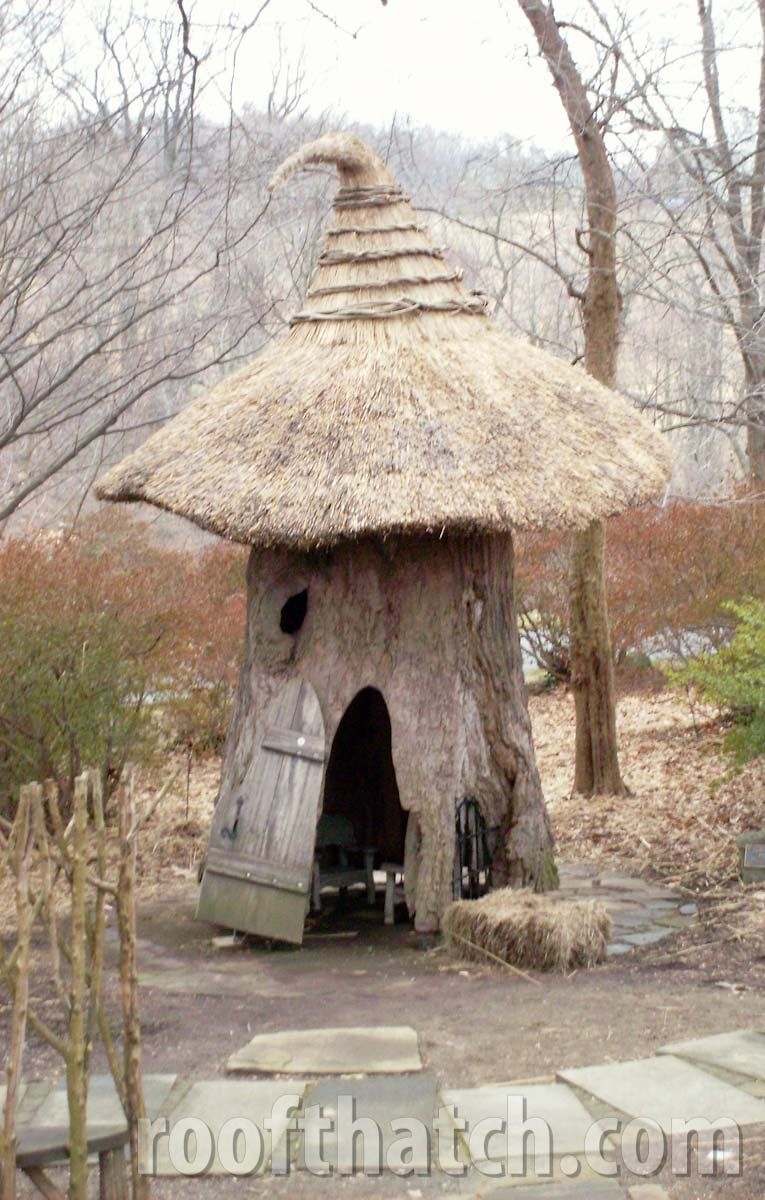 Irish English Thatch Roof Thatch Custom Thatch Roofing Cool Tree Houses Tree House Thatched Roof
