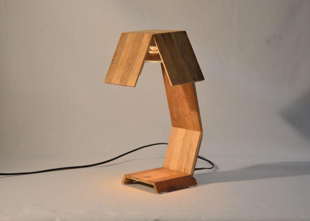 Lampe de bureau design en bois de chêne recyclé minsnax design