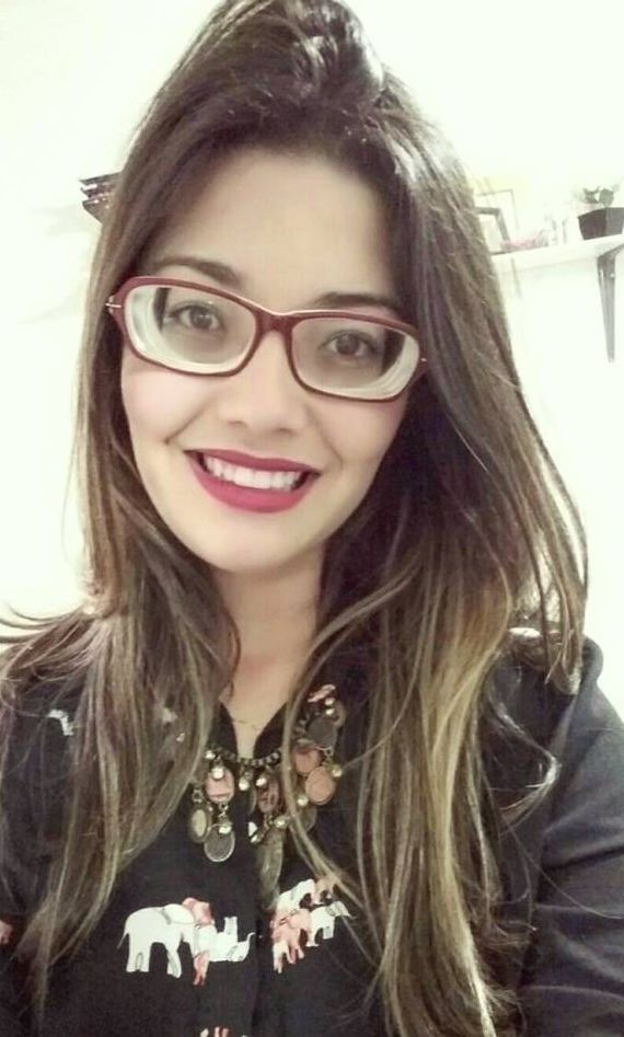 7f256e9e6f79 Stunning highly myopic girl with glasses blogger