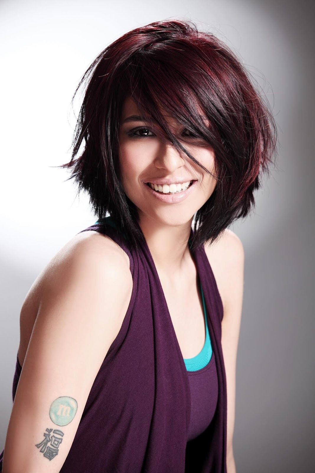 Meesha Shafi Wiki-Biography-Age-Height   Chestnut hair color