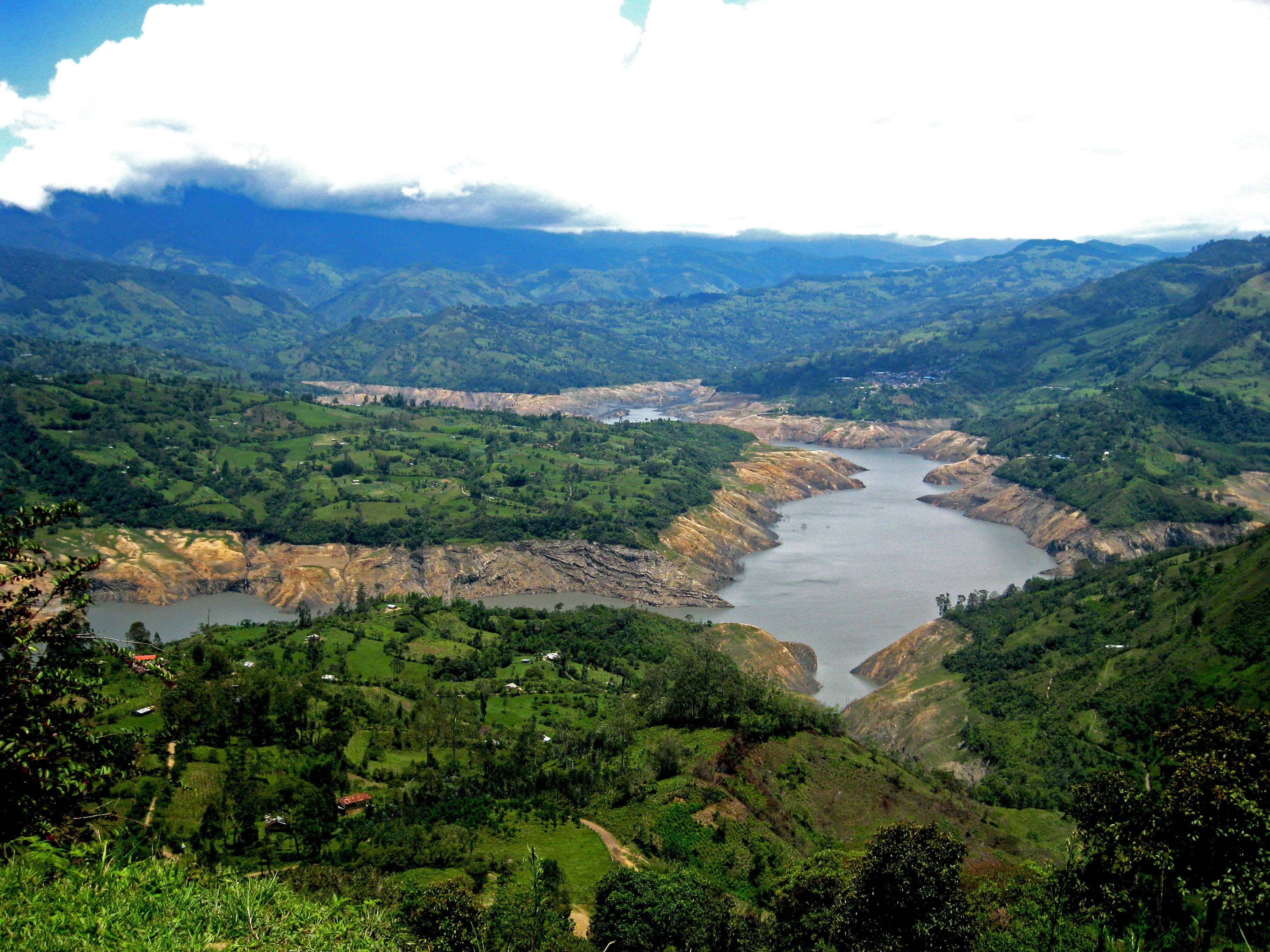 Represa del Guavio en Gachetá, Colombia