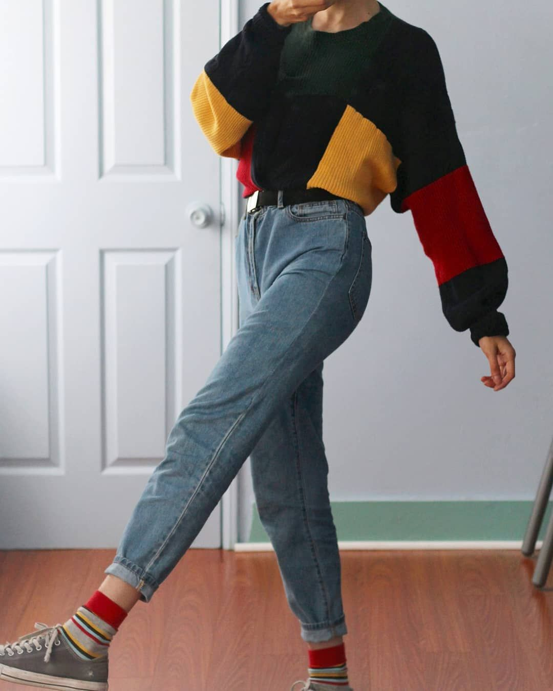 c6fafaf2 (my photos) comment an unpopular opinion the sweater is from depop and jeans  are from forever21 :)