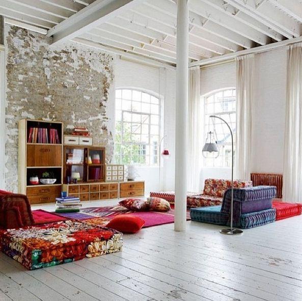 modular furniture in open whitewash house | — en la casa ...