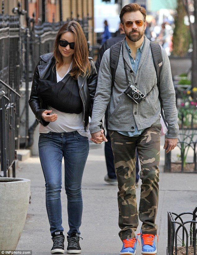 Olivia Wilde And Jason Sudeikis Pictured For First Time With Baby Otis Olivia Wilde Jason Sudeikis Olivia Wilde Style