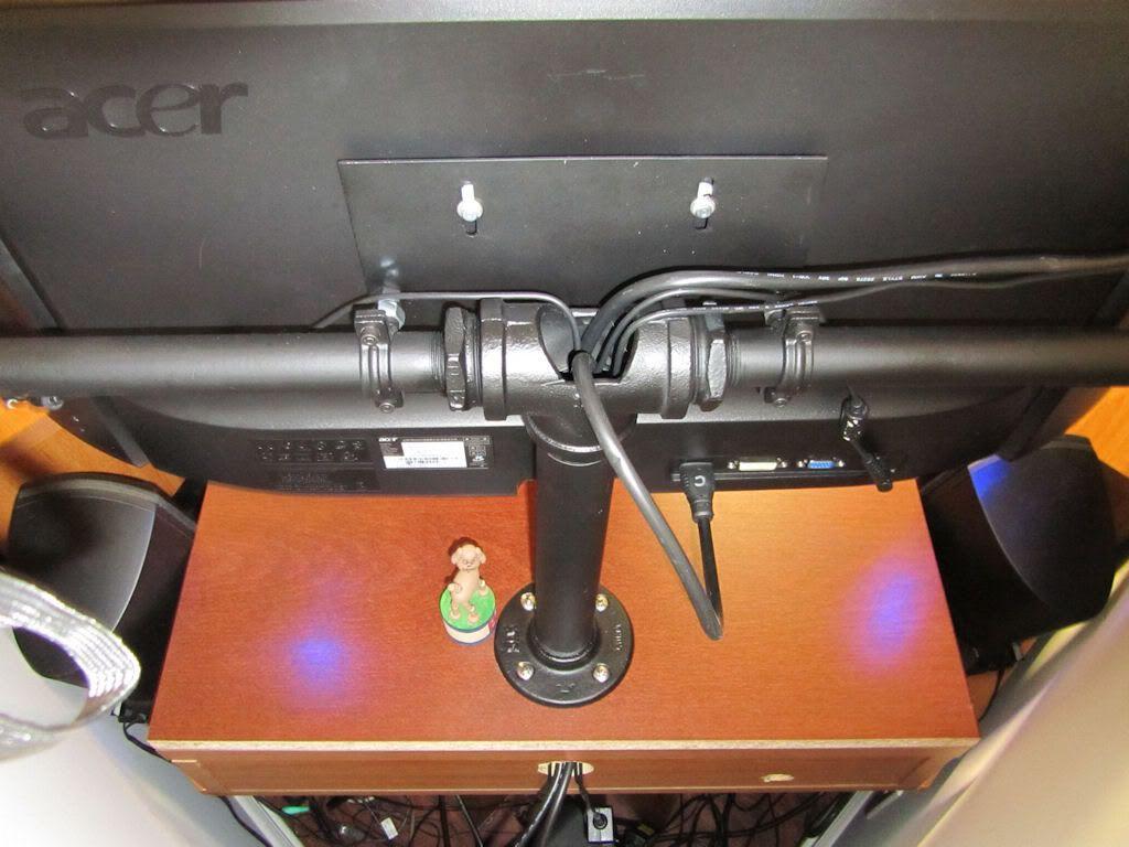 DIY triple monitor stand (my take on it) - Hard Forum ...