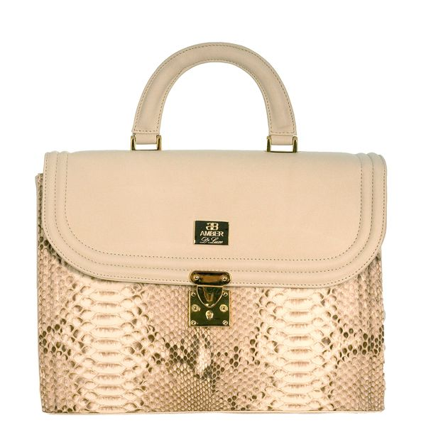 Bolso de serpiente auténtica en color natural. Handbag of genuine python snakeskin in matte natural colour. www.amberluxe.com