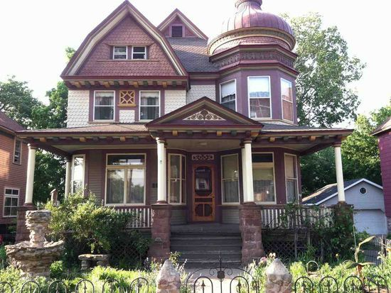 114 W Hewitt Ave Marquette Mi 49855 Mls 1100113 Zillow Gothic House Architecture House Architecture