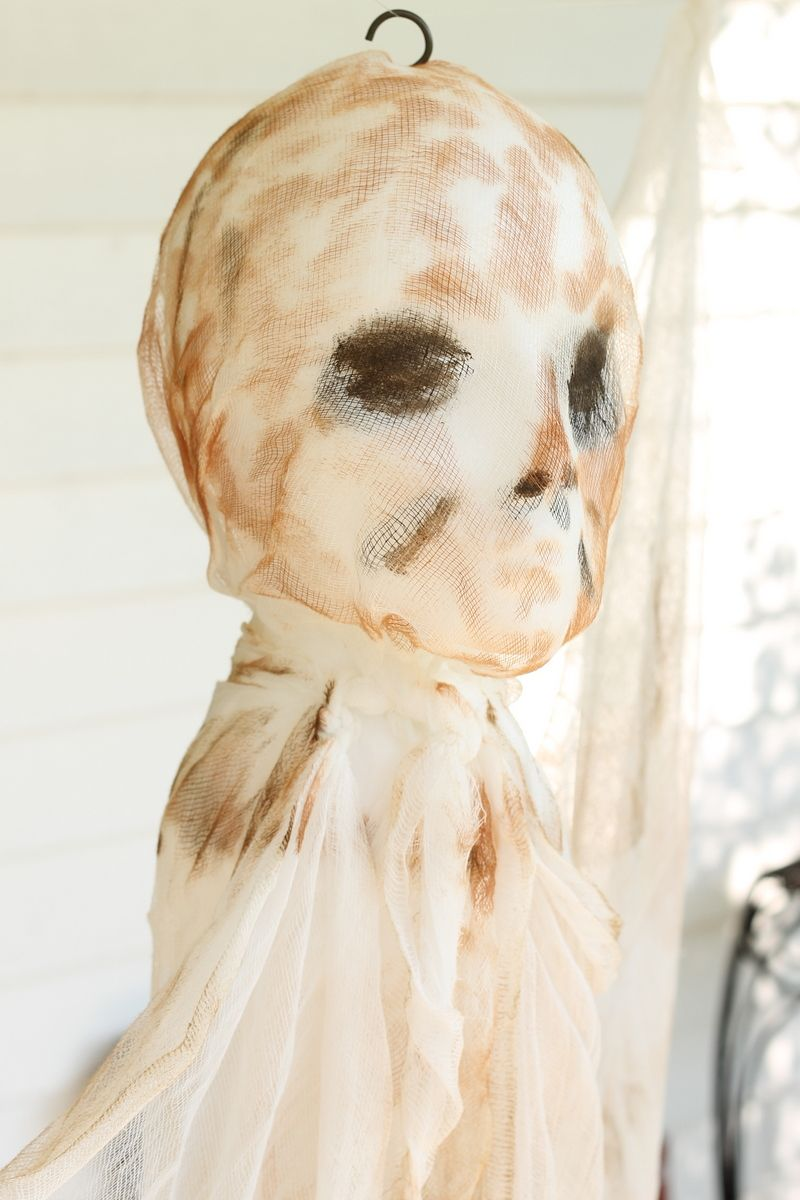 DIY Outdoor Halloween Decorations Hanging Mummy Ghost Diy outdoor - diy outdoor halloween decorations