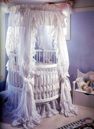 Canopy Crib Little Miss Liberty Millenium Round Wood