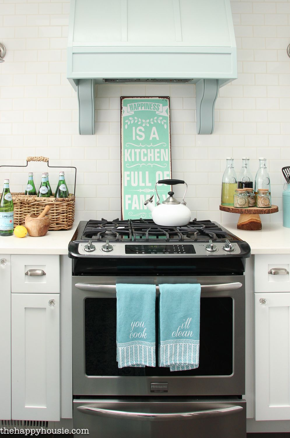 Coastal Cottage Style Spring Kitchen Tour | Selbermachen