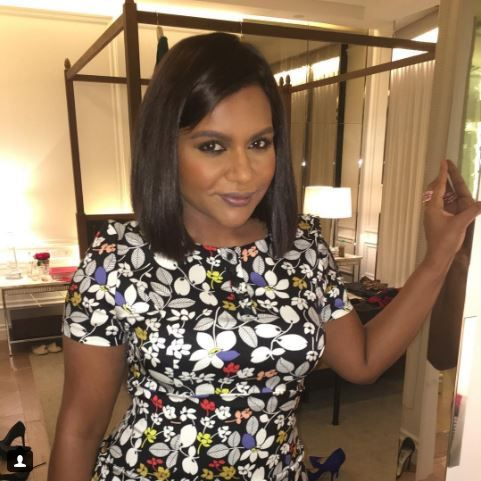Mindy Kaling Chops Her Hair See Her Chic Long Bob Mindy Kaling Long Bob Mindy