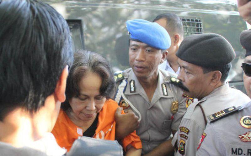 Ikut Kubur Angeline, Margariet Diduga Pelaku Utama Pembunuhan - http://www.rancahpost.co.id/20150736120/ikut-kubur-angeline-margariet-diduga-pelaku-utama-pembunuhan/