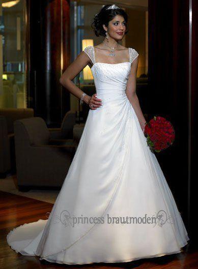 A Linie Brautkleid Mit Trager Hochzeit Pinterest Wedding