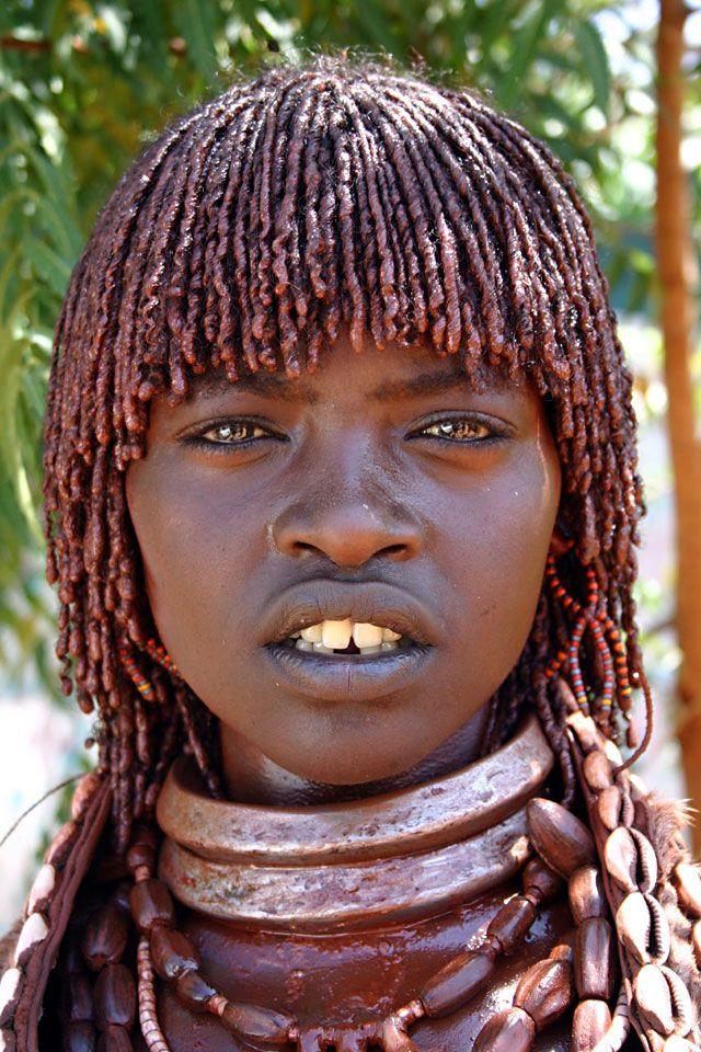 Victorie pentru femeile din Sudan. Tăierea organelor genitale se pedepseşte cu închisoarea