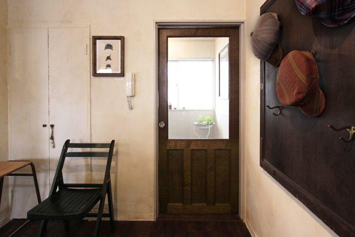 ナラの無垢材でつくられた重厚なリビングドアです ご希望のサイズに合わせてお作りいたします 自宅で リビングドア ドア
