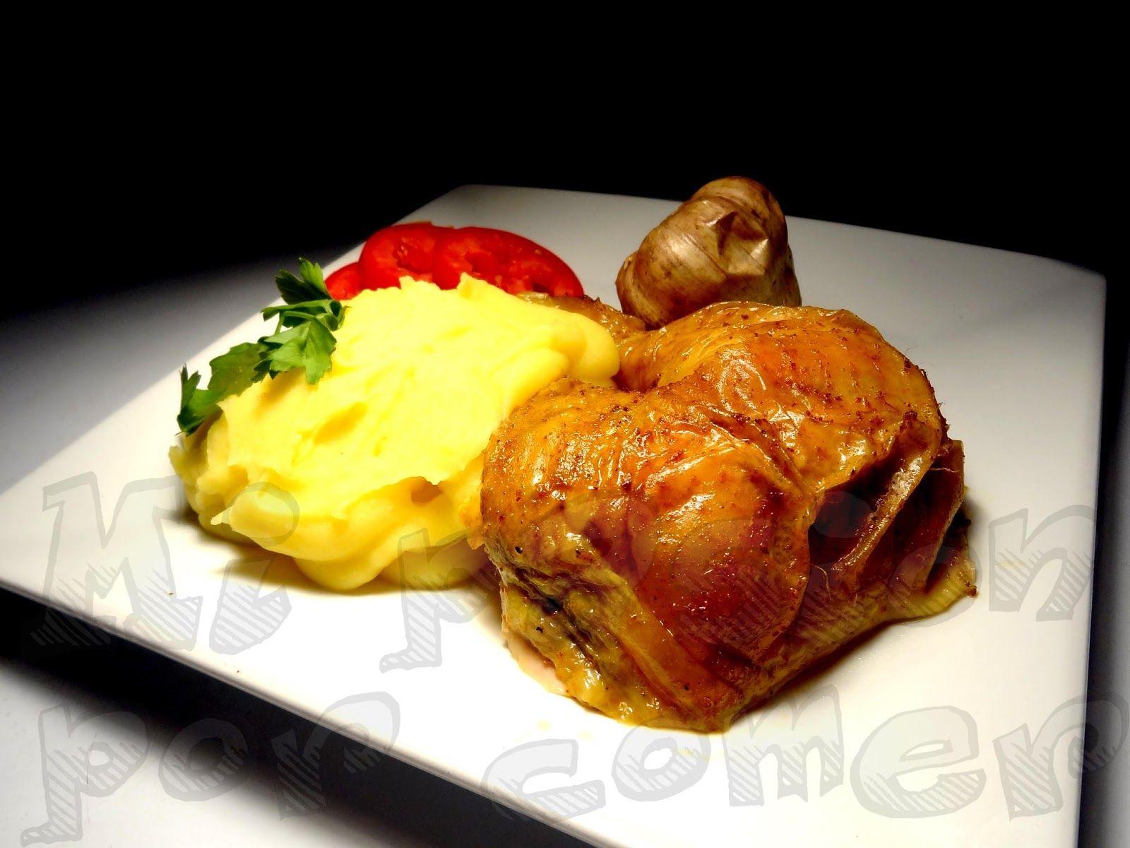 PURÉ DE PAPA generalmente se sirve con alguna carne asada. En este caso es pollo asado... se me hace agua la boca...