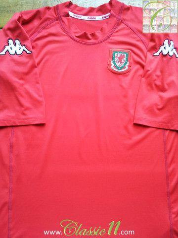 311245afeea Relive Wales' 2000/2001 international season with this vintage Kappa home football  shirt.