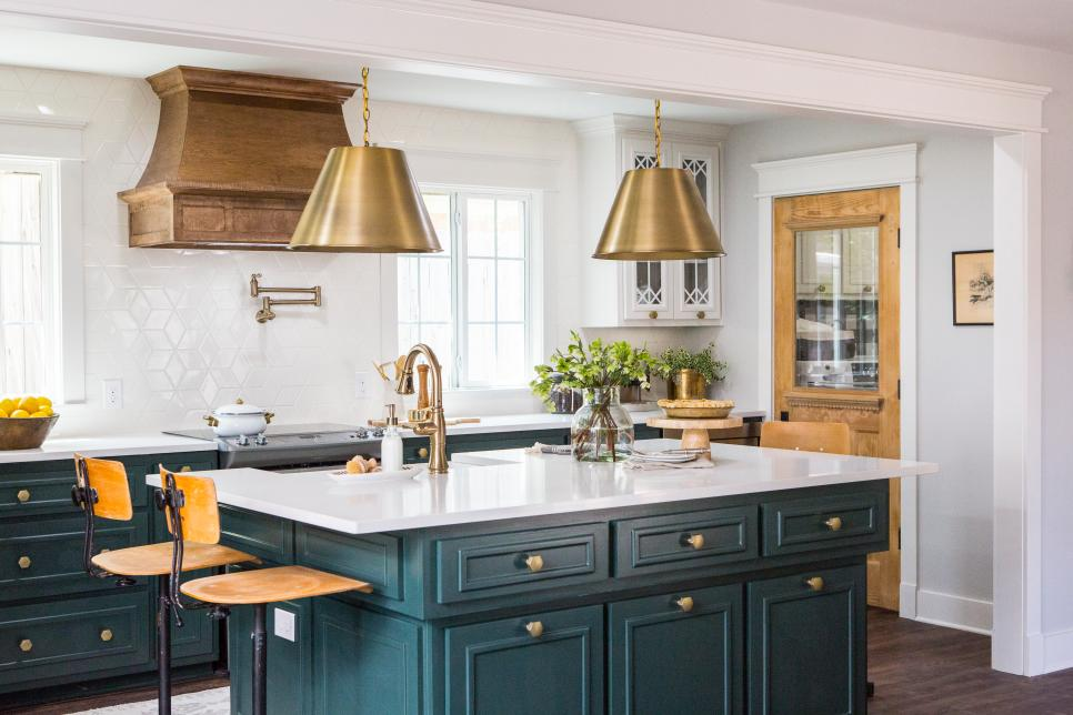 Beautiful Pictures of Kitchen Islands HGTV's Favorite