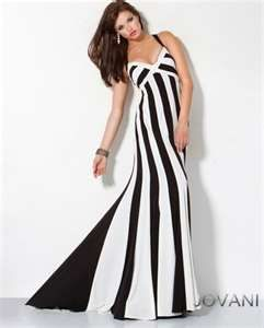 Elegant Black And White Striped Prom Gown Bodycandy Accesorize