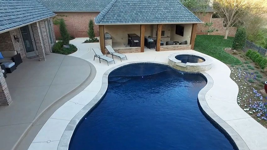 Charmant Swimming Pool With Travertine Coping And Luxury Cabana