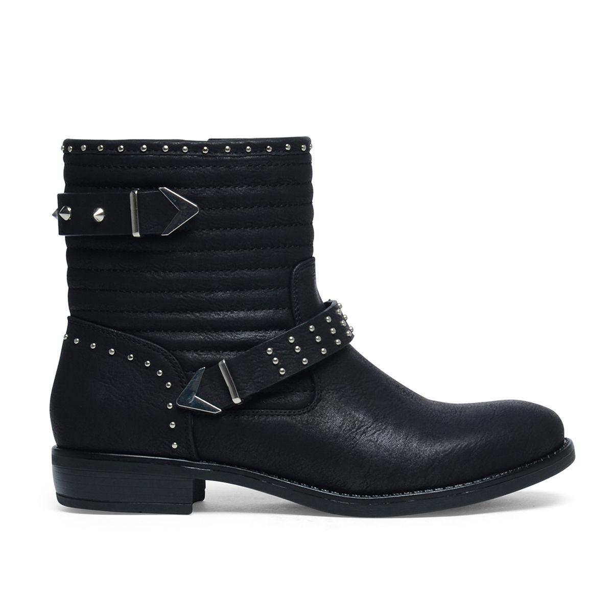 bottes noires avec clous | les tendances de cette saison: bottes