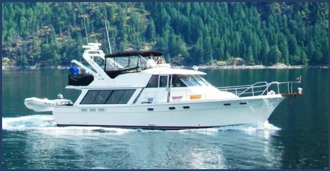 45ft Bayliner Pilothouse - This 4588 Bayliner has lots of