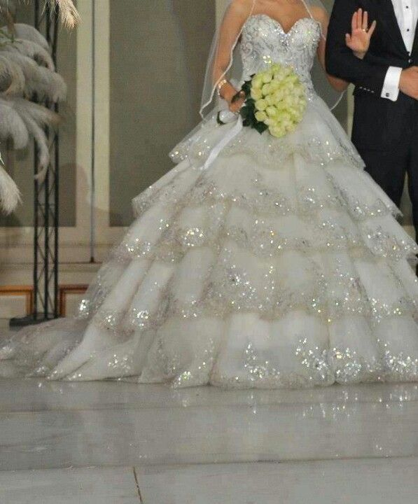 Wedding gown...Getting close. Looks like I will design myself and ...