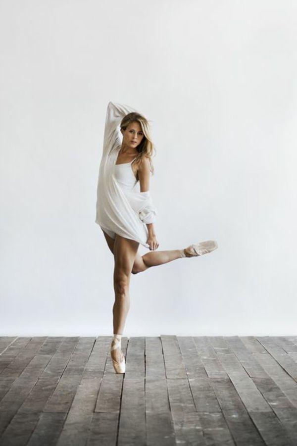 tenue de danse moderne costume moderne en blanc danse. Black Bedroom Furniture Sets. Home Design Ideas