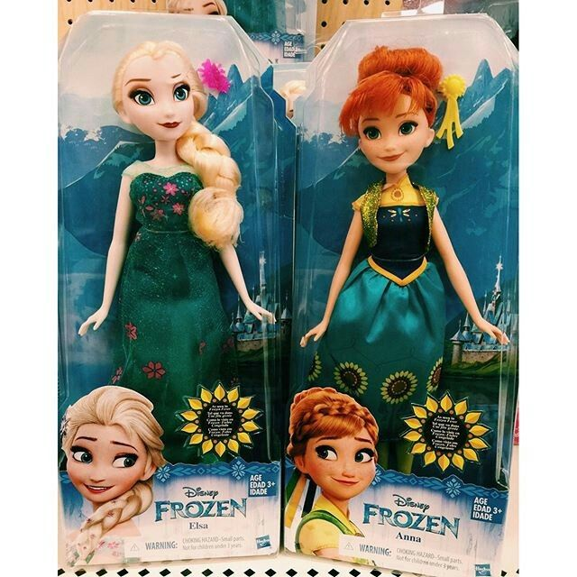 Frozen Fever Anna and Elsa dolls by Hasbro