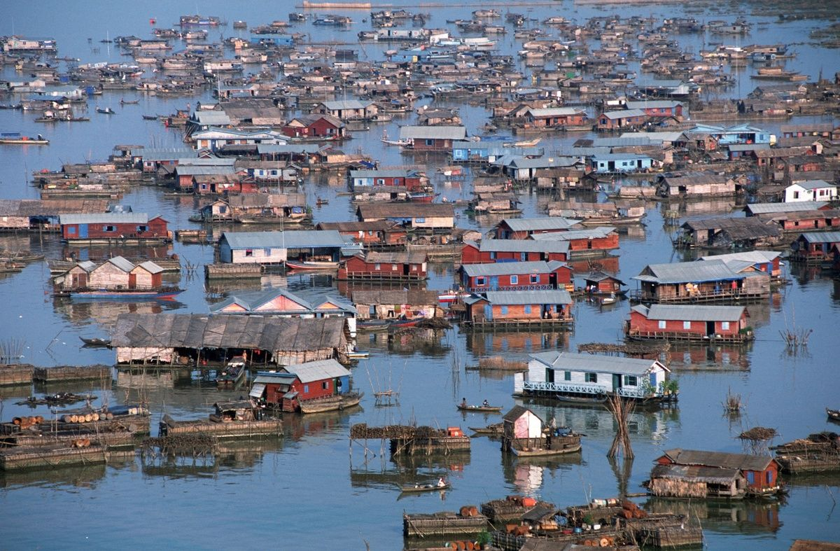 LOOK: The Eerie Beauty Of Cambodia   Tonle sap, Places to travel ...
