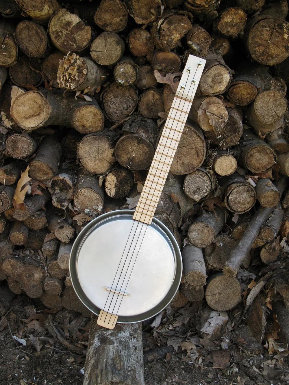 The Panjolele Cake Pan Ukulele | Make: #musicalinstruments