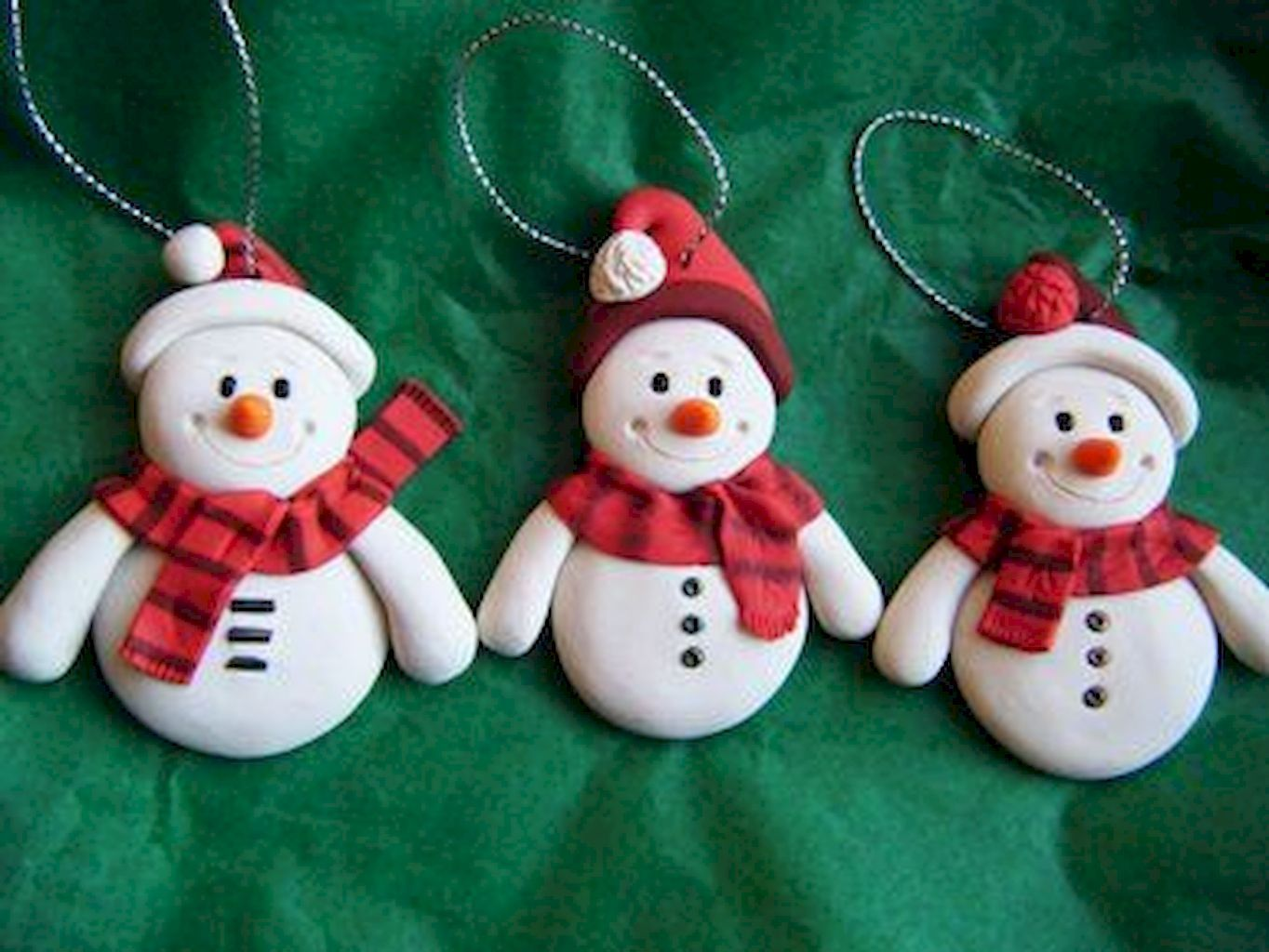 Nice 50 Easy To Try Diy Polymer Clay Christmas Design Ideas Https Roomadness Com 201 Polymer Clay Christmas Clay Christmas Decorations Polymer Clay Ornaments