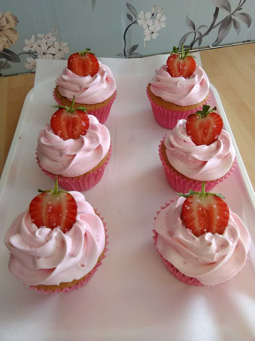 Fresh strawberry cup cakes, delicious to look at and even