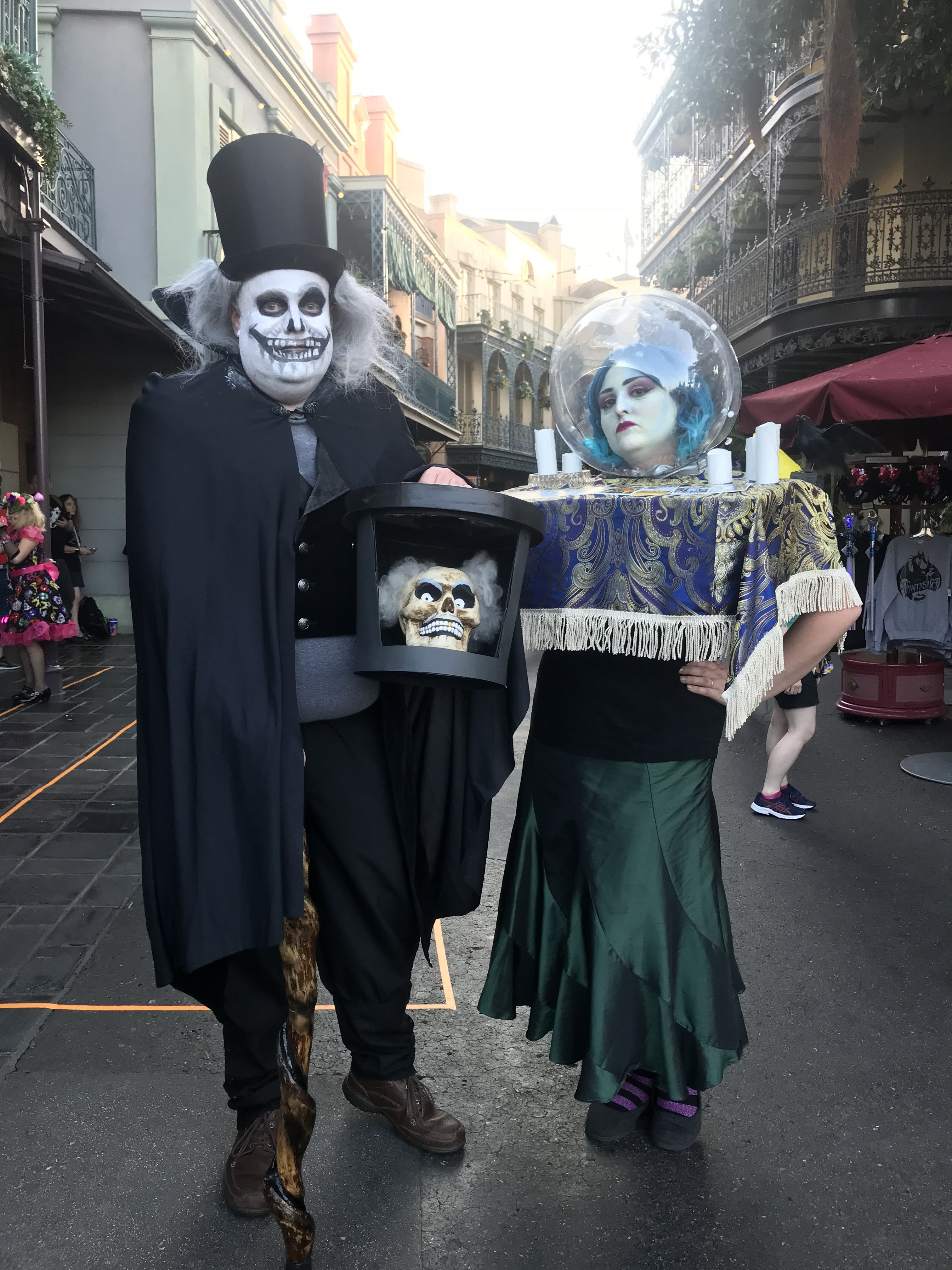 Madame Leota And Hatbox Ghost Haunted Mansion Cosplay Halloween Costumes At Disneyland Mickey S Haunted Mansion Costume Mickey Halloween Mickey Halloween Party