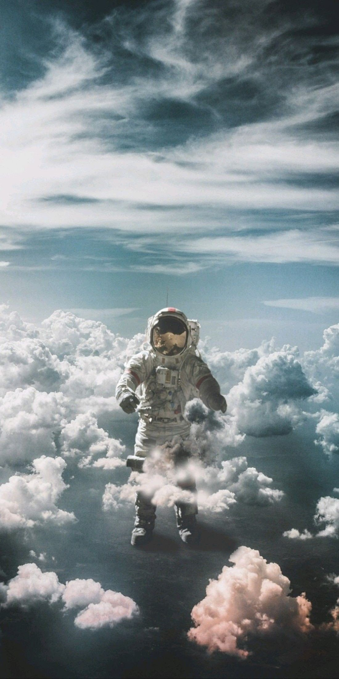 Pin By Iyan Sofyan On Space Astronaut Pictures Astronaut