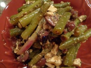 Green Bean, Feta Cheese, and Kalamata Olive Salad - My family and friends crave these!