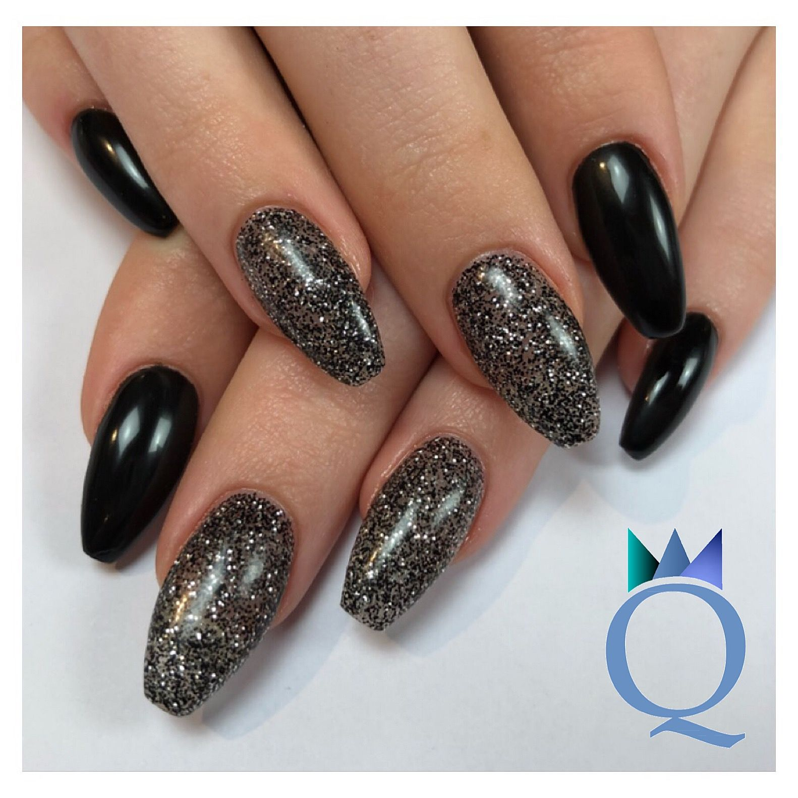 Coffinnails Gelnails Nails Black Silver Glitter Ballerinaform
