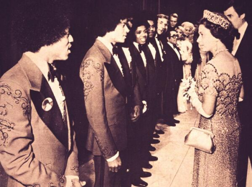 MJ, the Jacksons and Queen Elizabeth II backstage at the