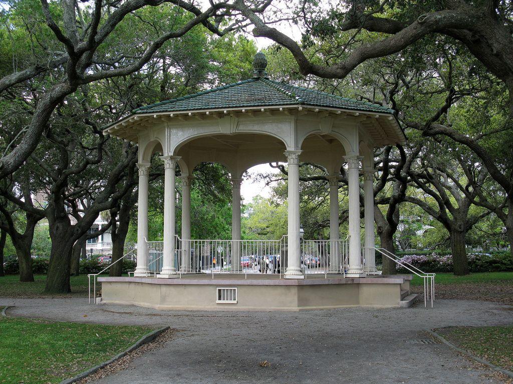 52dd65963f4a7803a186a6abac6f0e94 - White Point Gardens In Charleston Sc