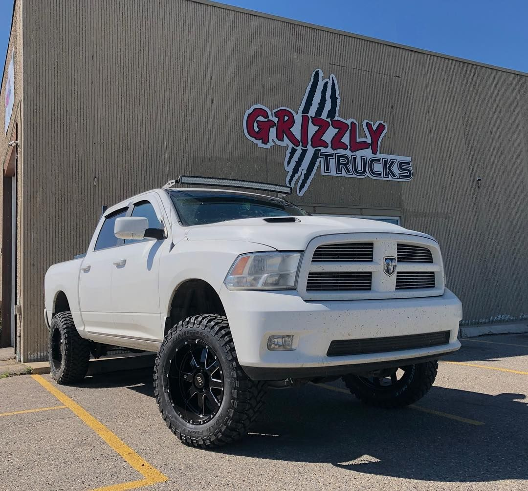 Checkout This Beast Rolling Out Looking Sharp Gt Invasion
