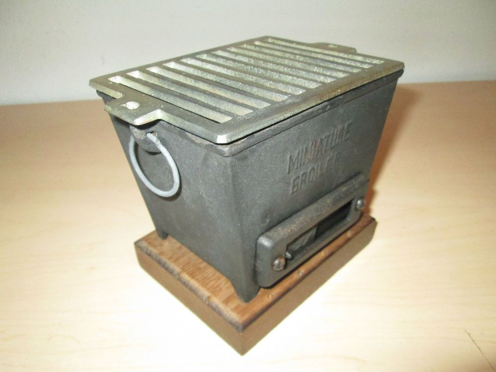 RARE VINTAGE TABLE TOP MINIATURE HIBACHI BROILER. CAST IRON. MADE IN JAPAN.  $58.00