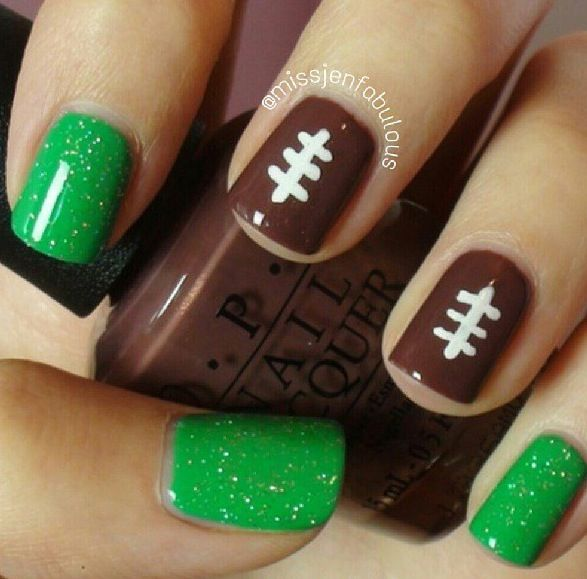 27 Football Nail Art Inspirations, & Covergirl\'s Fun Team Fanicures ...