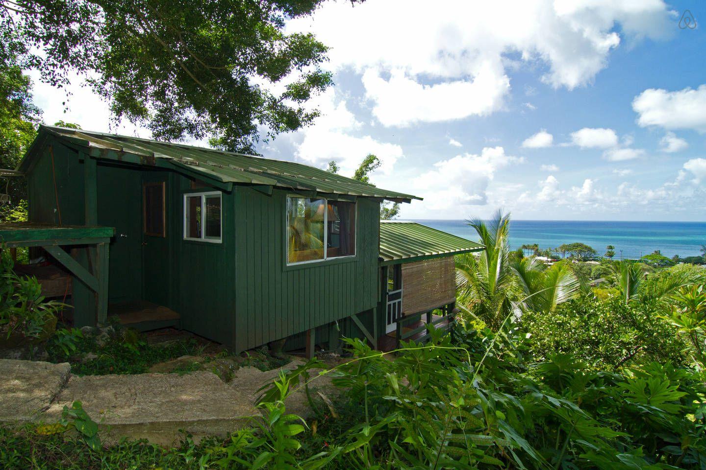 Sunset Beach Surf Cabin Hawaii In Haleiwa Treehouse Vacations Hawaii Vacation Rentals Hawaii Beaches