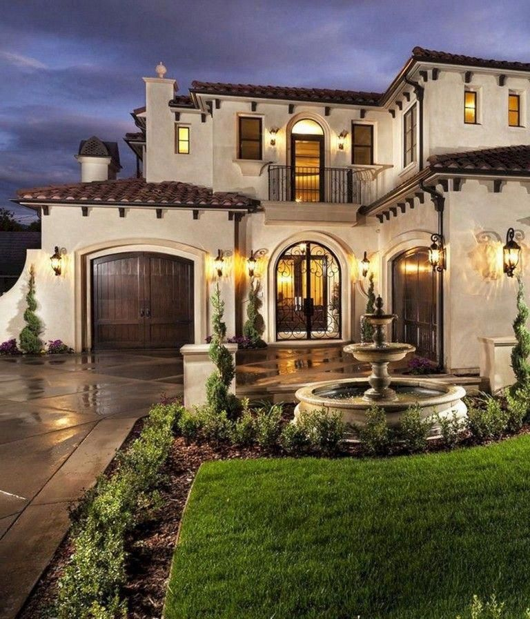 Difference Between Spanish And Mediterranean Homes Tuscanstyle Spanishstylehomes Mediterranean Homes Mediterranean Style House Plans Spanish Style Homes